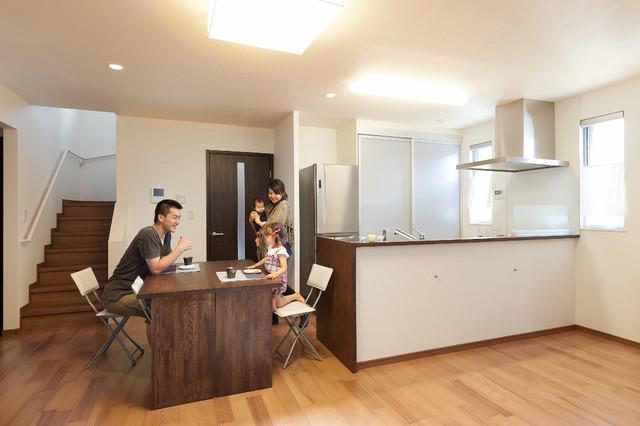 兵庫県川西市の新築R様邸 モダン-居間