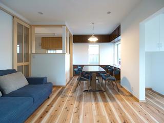 葉山の家 (2世帯住宅リノベーション) 北欧-リビング