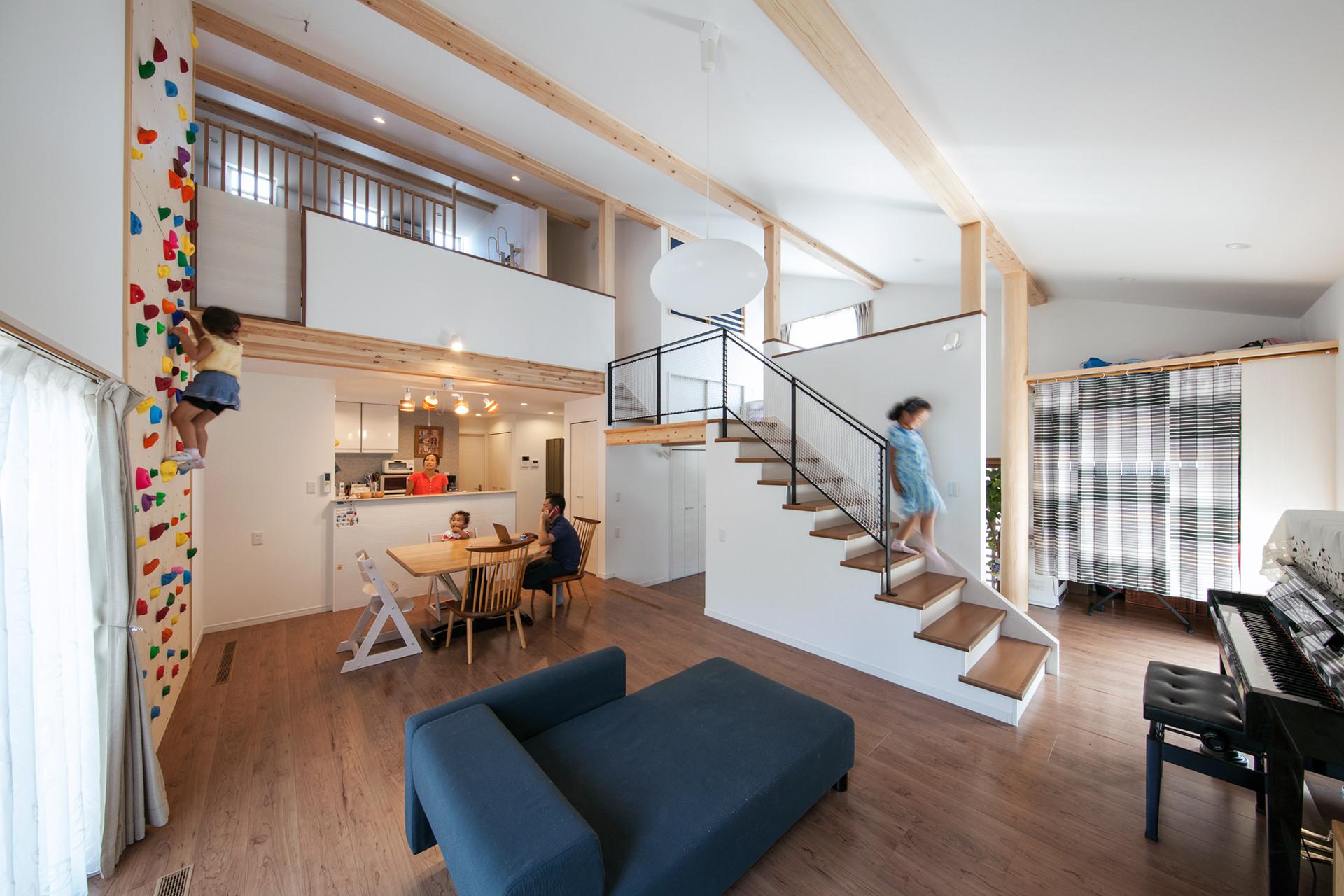 UE-SH HOUSE