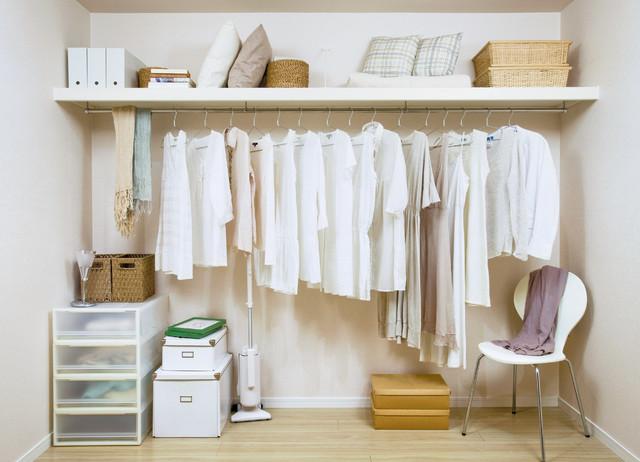 枕棚 modern-foervaring-och-garderob