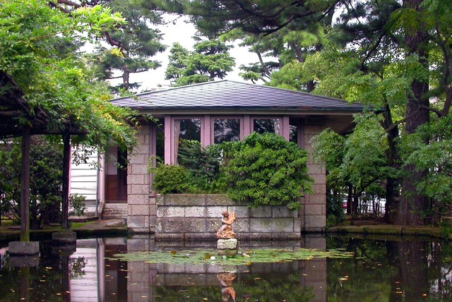 How frank lloyd wright influenced japanese architecture for Frank lloyd wright architettura organica