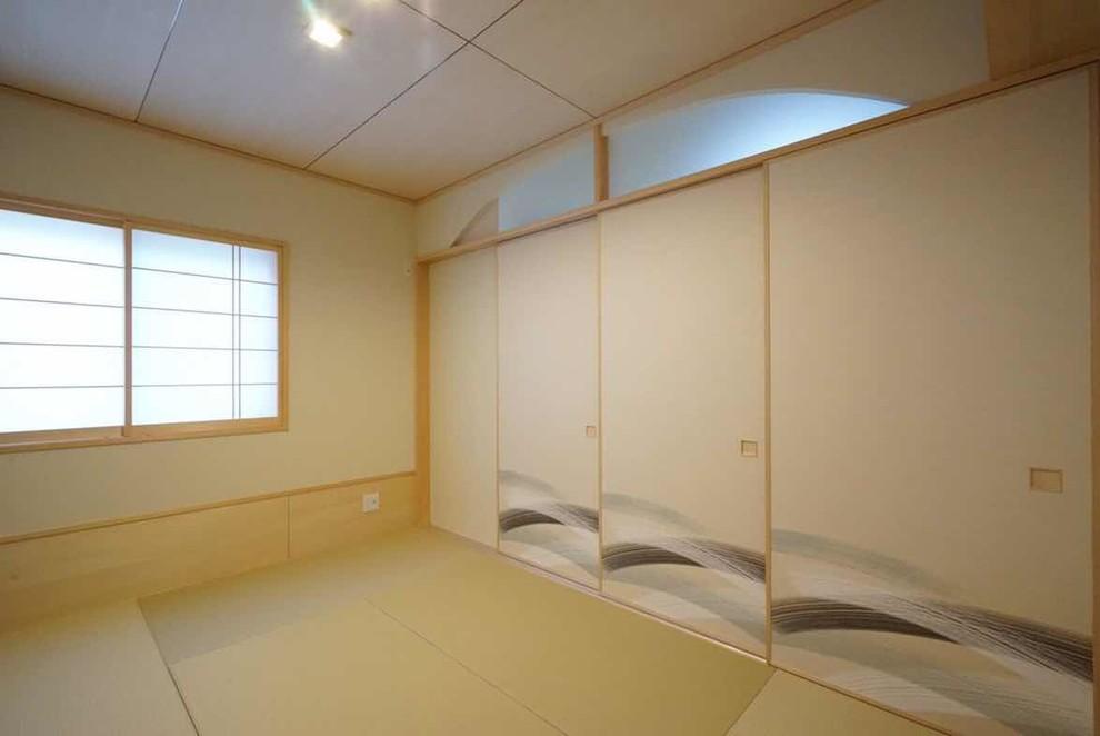 卧室黄色衣柜日式风格装潢效果图