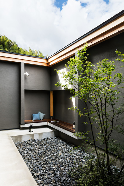 Photo of an asian courtyard landscaping in Kyoto.