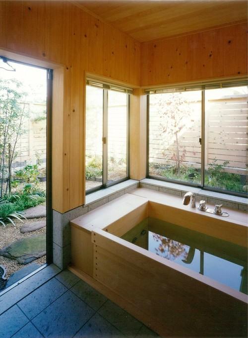 ひのき風呂 浴室