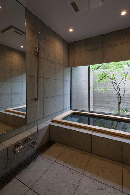 瑞穂の家 - Asiatisch - Badezimmer - Tokio Peripherie - von 岸研一 ...