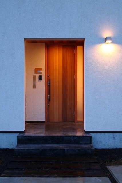 上田の家 玄関ポーチ コンテンポラリー-玄関