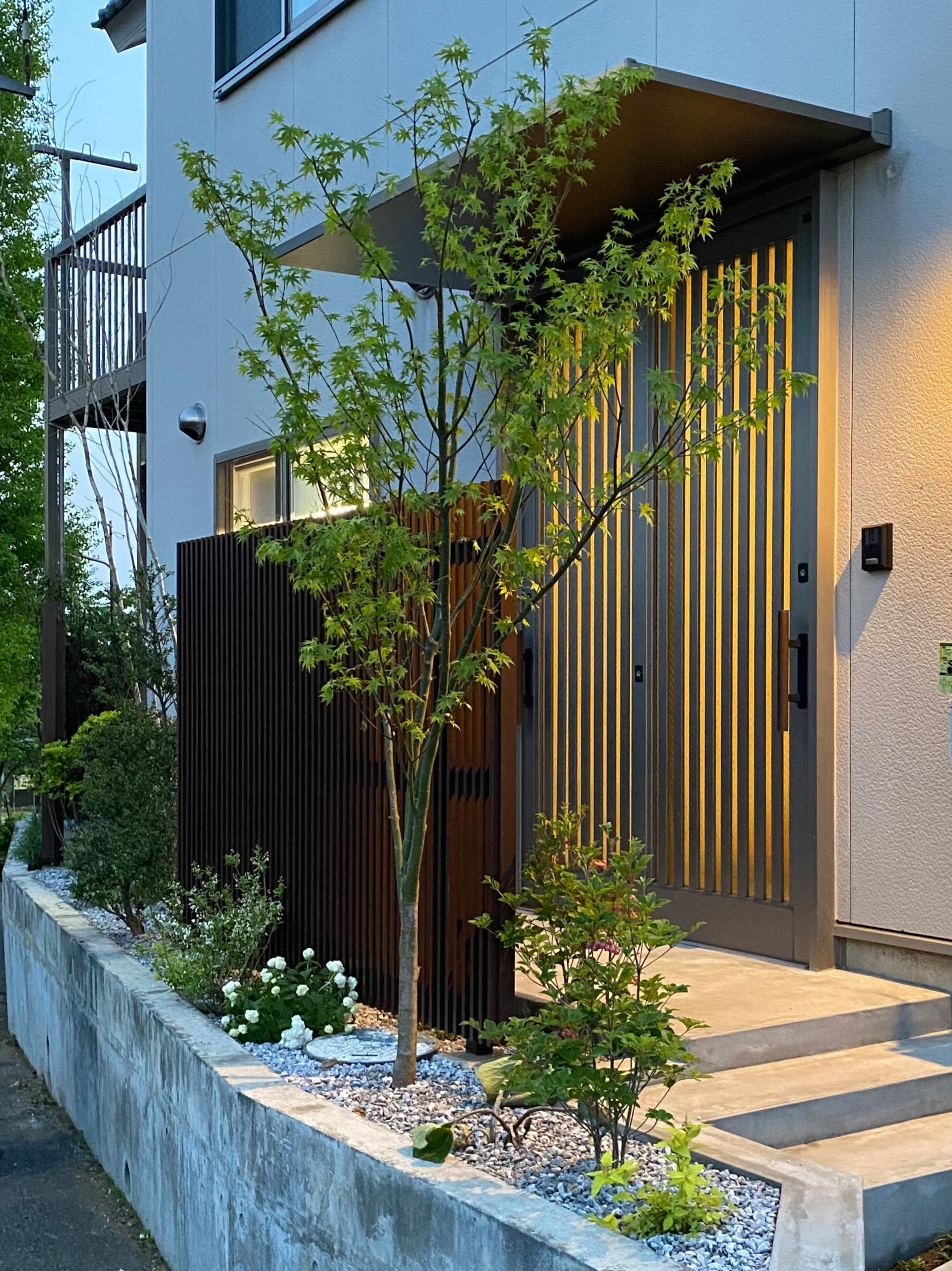 Hハウス改修工事/玄関アプローチ