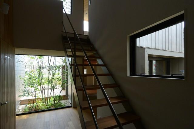 h19y モダン-階段