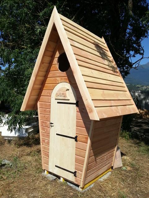 Toilettes s ches montagne abri saint tienne par mansabi charpente - Abri jardin en dur saint etienne ...
