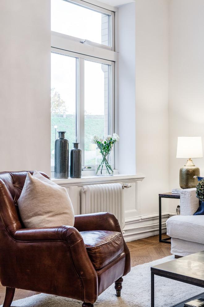 客厅白色窗台北欧风格装修设计图片