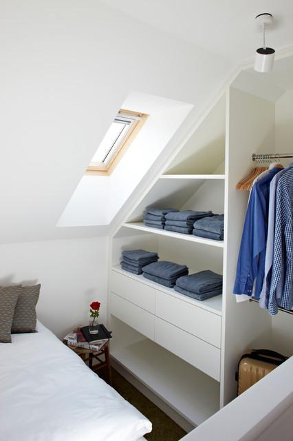 Vacation Rental W3 contemporary-closet
