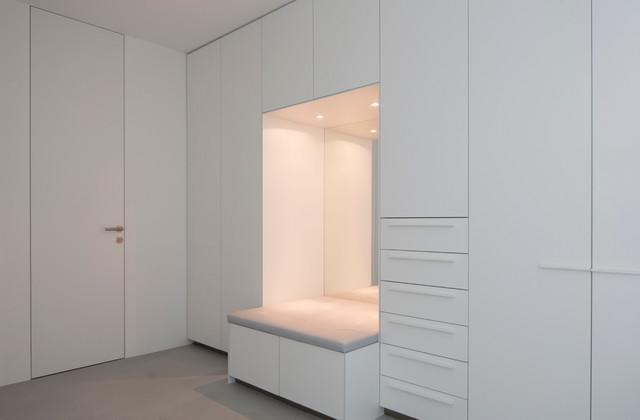 Ankleidezimmer modern for Zweifamilienhaus modern