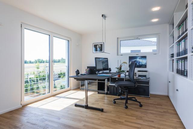 Arbeitszimmer minimalistisch arbeitszimmer sonstige von kitzlingerhaus - Arbeitszimmer wandfarbe ...