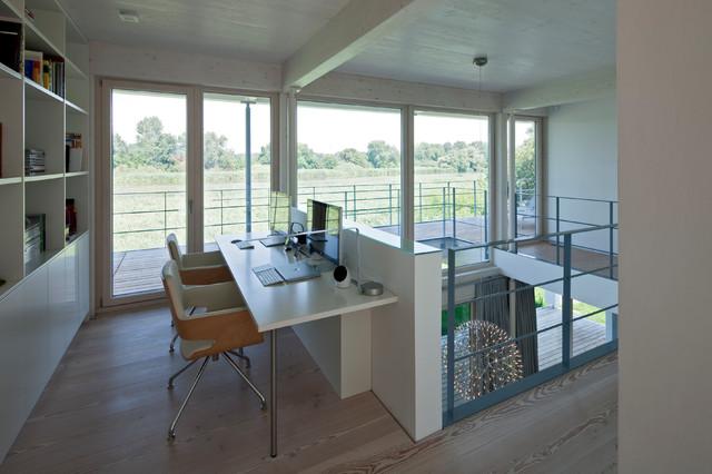 Modernes arbeitszimmer  Modernes Wohnhaus mit offenem Grundriss