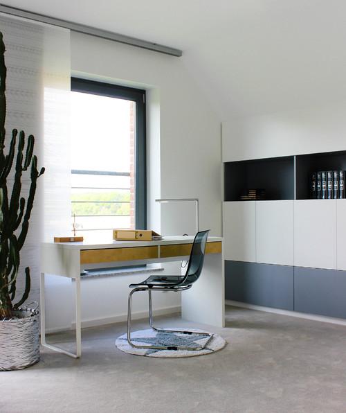 wei jemand ob der schreibtisch auch aus der besta serie. Black Bedroom Furniture Sets. Home Design Ideas