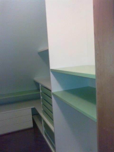 Cabina armadio con vassoi laccati verdi - Cabina bagno prefabbricata ...