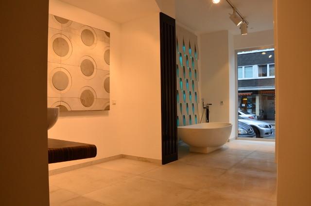 Ausstellung Rather Kreuzweg 47-49 - Minimalistisch - Badezimmer ...