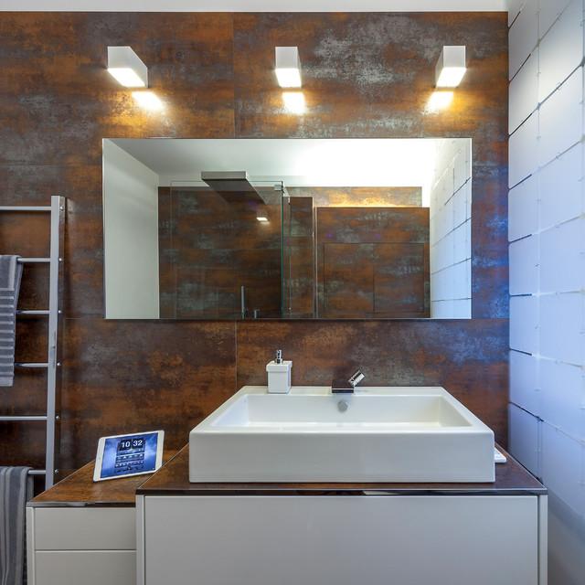 Rostoptik Und Raffinesse Modernes Bad über Einer Schlosserwerkstatt - Fliesen in rostoptik