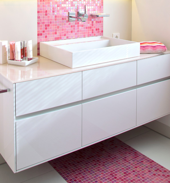 Bad in pink mit mosaik for Mosaik badezimmer
