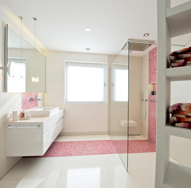 Badezimmer pink grau