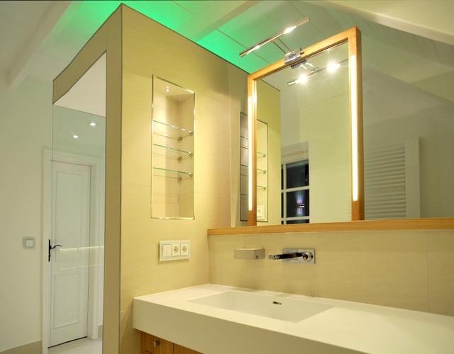 Moderne badezimmer dachschrage ~ Ihr Traumhaus Ideen