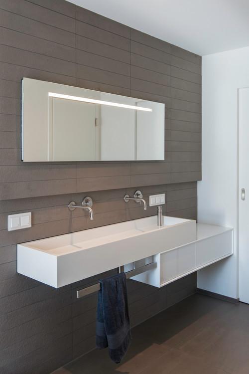 Badezimmer Putzen Tipps   Die Besten Tipps Fur Die Reinigung Im Bad Bildderfrau De