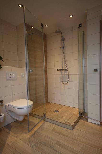 Berühmt Bad mit Holzoptik Fliesen - Landhausstil - Badezimmer - Köln - von GA71