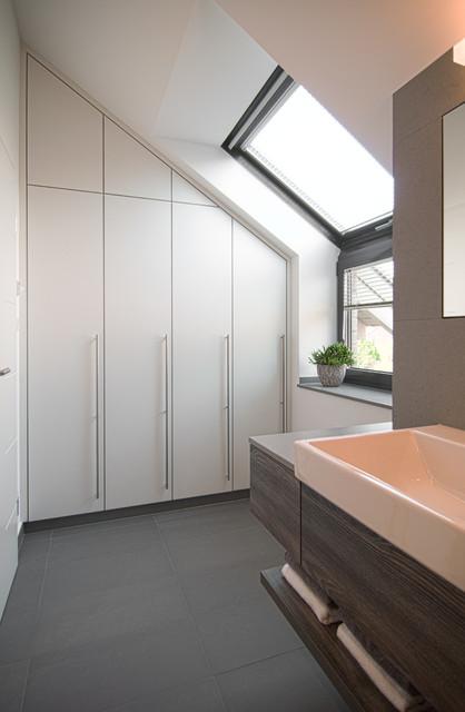 bad modern badezimmer d sseldorf von theelen. Black Bedroom Furniture Sets. Home Design Ideas