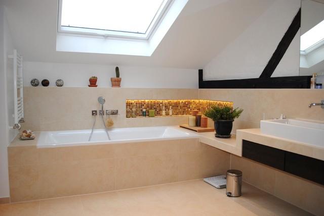Bad unterm dach modern badezimmer