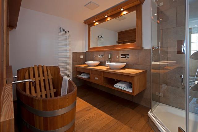 Badezimmer im Chalet-Stil - Rustikal - Badezimmer ...