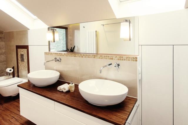 Badezimmer Im Dachgeschoss Contemporary Bathroom