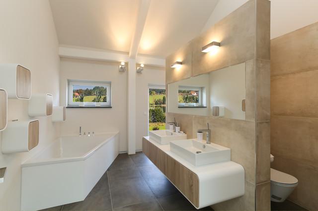 Badezimmer modern badezimmer berlin von k m leon for Badezimmer berlin