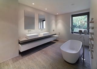 Badezimmer mit Vinylboden Ideen, Design & Bilder | Houzz