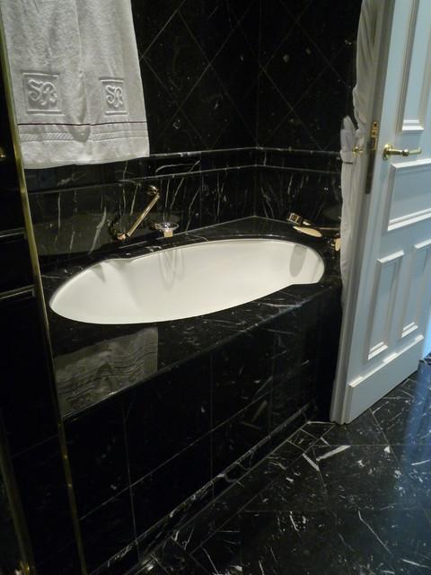 Badezimmerausstattung Bathroom