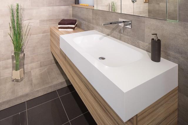 Badmöbel Nach Maß badmöbel mit pfiff waschtisch nach maß aus corian contemporary bathroom other metro by