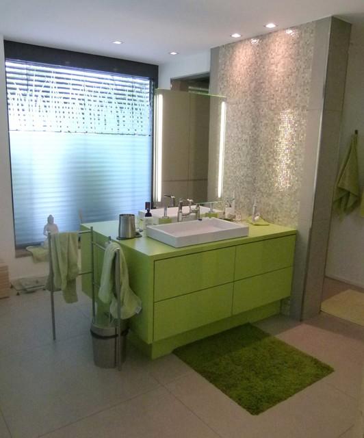 b der modern bathroom other metro by raum inhalt. Black Bedroom Furniture Sets. Home Design Ideas
