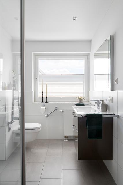 Barrierefreies Und Modernes Badezimmer Contemporary Bathroom