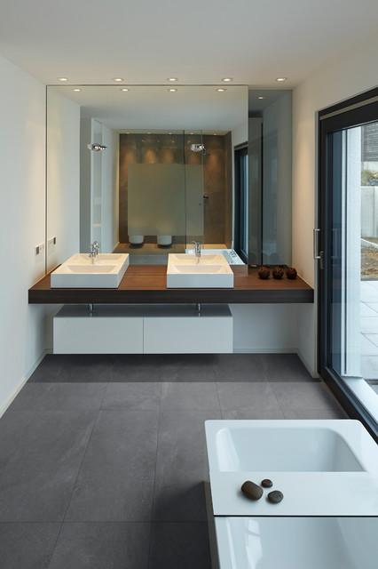 Bauhaus-Look Badezimmer - Minimalistisch - Badezimmer - Sonstige