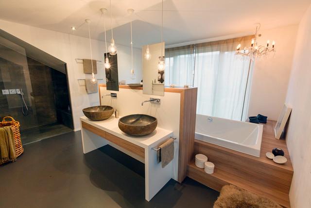 badezimmer beispiele 10 qm. Black Bedroom Furniture Sets. Home Design Ideas