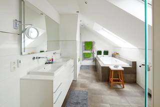 Badezimmer mit braunen Fliesen Ideen, Design & Bilder | Houzz