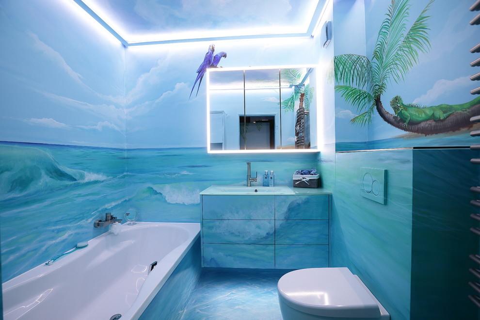 Bathroom - contemporary bathroom idea in Essen