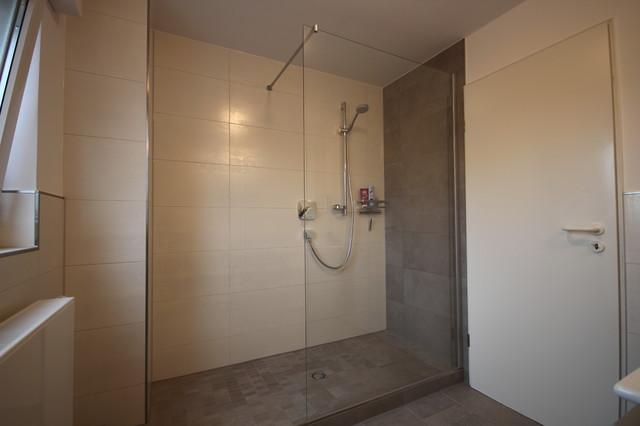 Duschbad modern badezimmer k ln von peter wiel gmbh for Duschbad ideen
