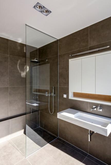 Dusche mit raumhoher Glasabtrennung - Contemporary - Bathroom ...