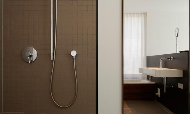 ebenerdige dusche walk in shower modern badezimmer other metro von plan w gmbh. Black Bedroom Furniture Sets. Home Design Ideas