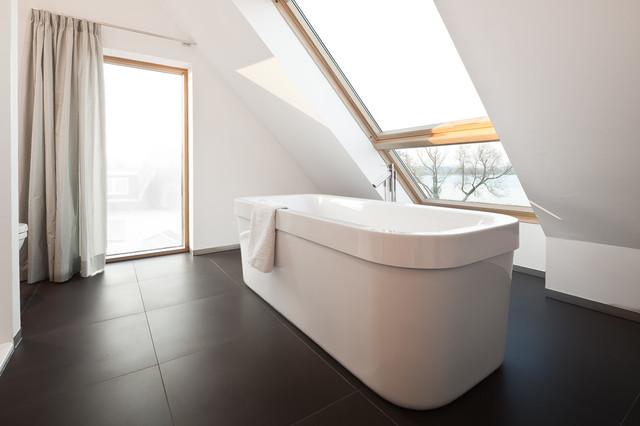 ... Schleswig-Holstein für Thomas Dietrich Architektur modern-badezimmer