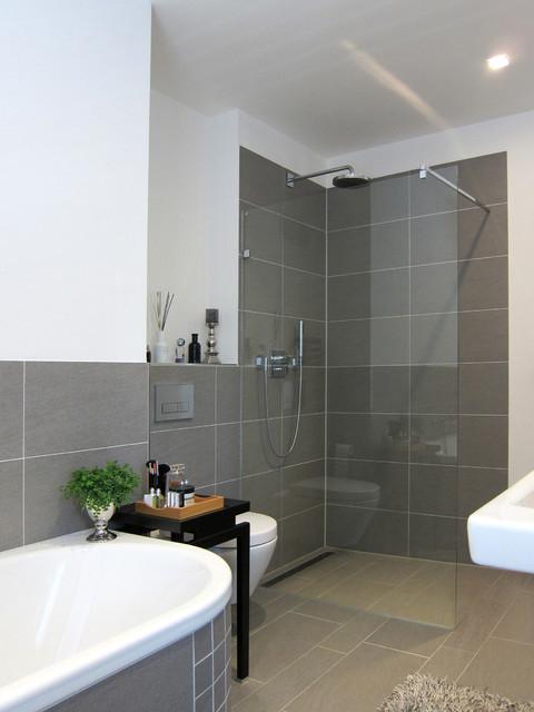 fitnessbad modern badezimmer k ln von hansen. Black Bedroom Furniture Sets. Home Design Ideas