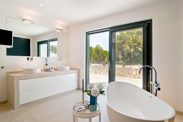 freistehende badewanne bw 01 l klassisch badezimmer berlin von badeloft gmbh. Black Bedroom Furniture Sets. Home Design Ideas