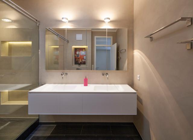 Fugenloses Bad mit Beton Ciré - Modern - Badezimmer - Köln ...