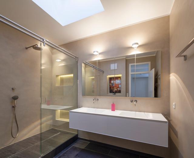 Fugenloses Badezimmer mit Beton Ciré - Modern - Badezimmer ...