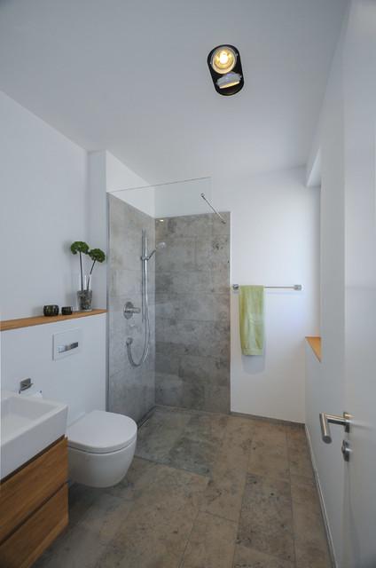 g stebad mit naturstein modern badezimmer n rnberg. Black Bedroom Furniture Sets. Home Design Ideas